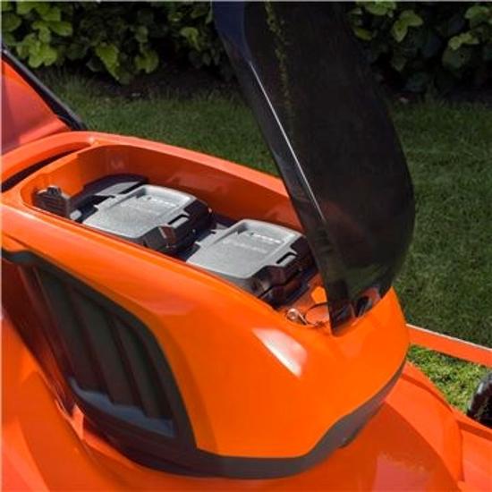 Fotografija izdelka Akumulatorska vrtna kosilnica z mulčenjem LB 146i