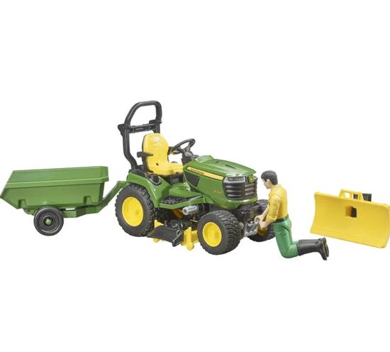 Fotografija izdelka Igrača vrtni traktor John Deere s priključki