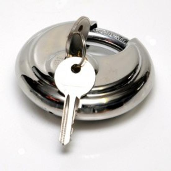 Fotografija izdelka Zaklep proti kraji avtoprikolice + ključavnica